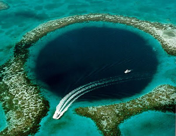 great-blue-hole-of-delize
