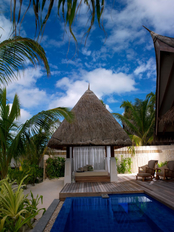 Luxurious Jumeirah Vittaveli Resort and Spa in Maldives