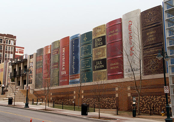 Creative Bookshelf Building in Kansas